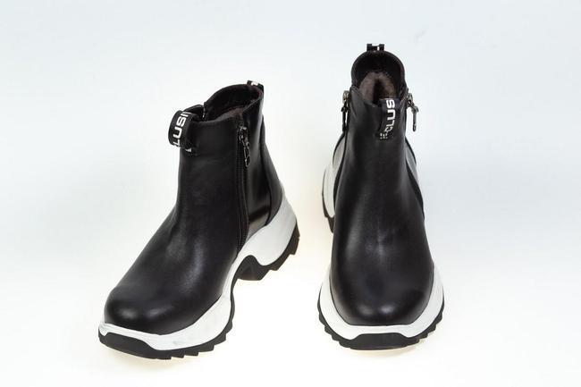 Чорные ботинки SAV 2033