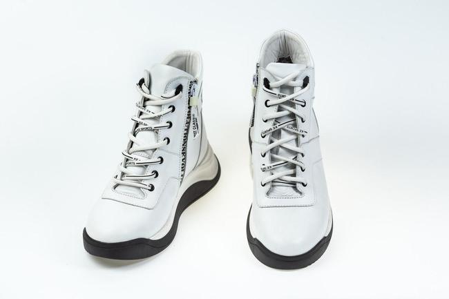 Ботики белые  на шнуровке SAV 2066-5