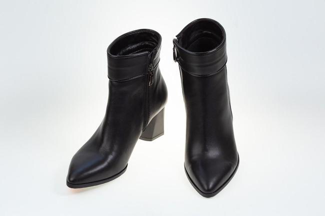 Полусапожки черные на каблуке SAV 2109_1